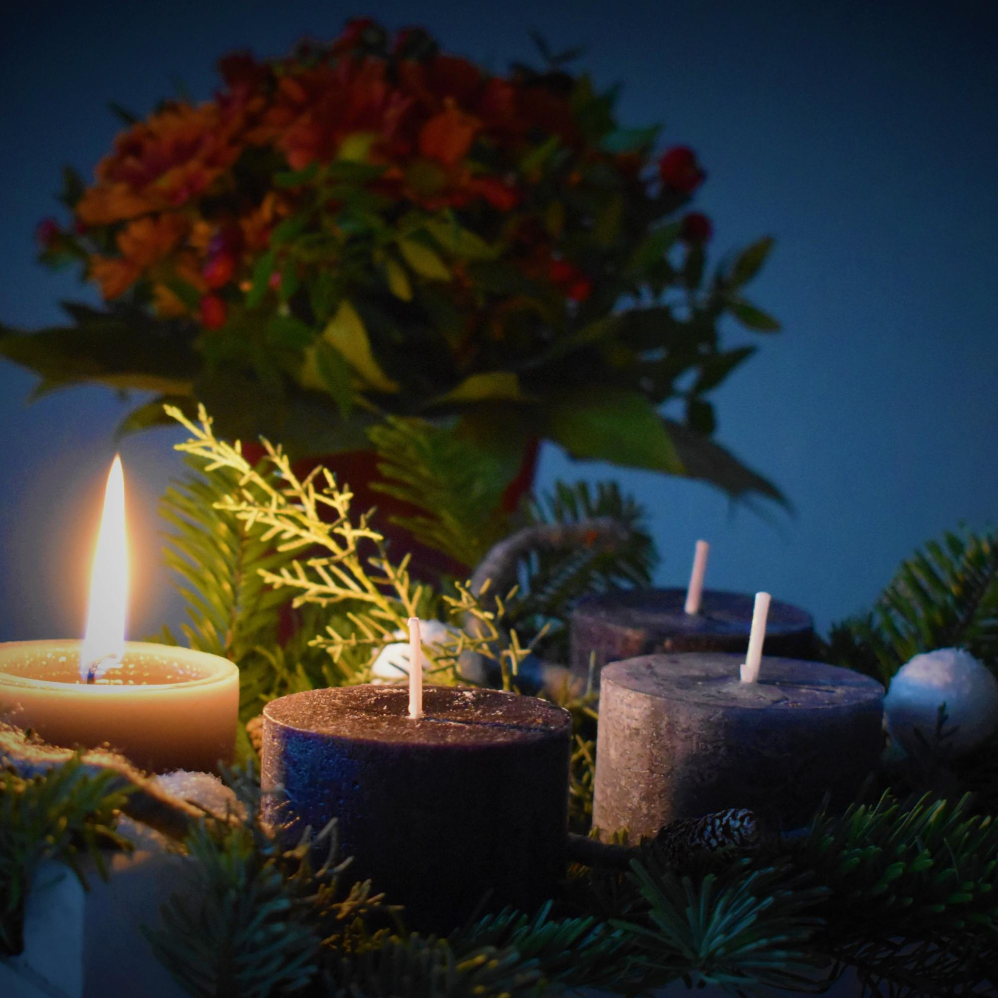 1. Advent (c) <span>Photo by <a href=https://unsplash.com/@waldemarbrandt67w?utm_source=unsplash&utm_medium=referral&utm_content=creditCopyText>Waldemar Brandt</a> on <a href=https://unsplash.com/s/photos/advent?utm_source=unsplash&utm_medium=referral&utm_content=creditCopyText>Unsplash</a></span>