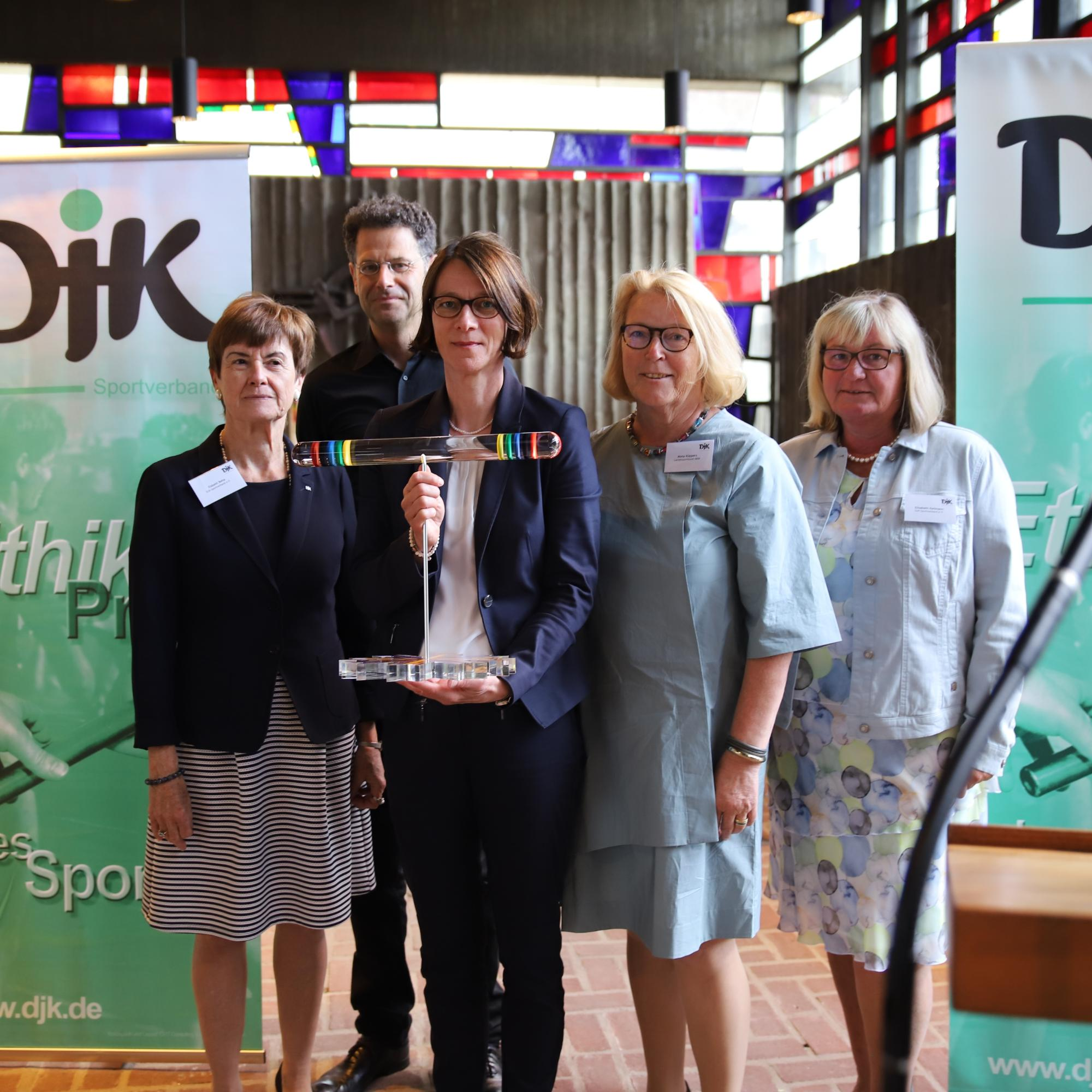 Dr. Bettina Rulofs hat den DJK-Ethik-Preis des Sports (c) DJK-Sportverband