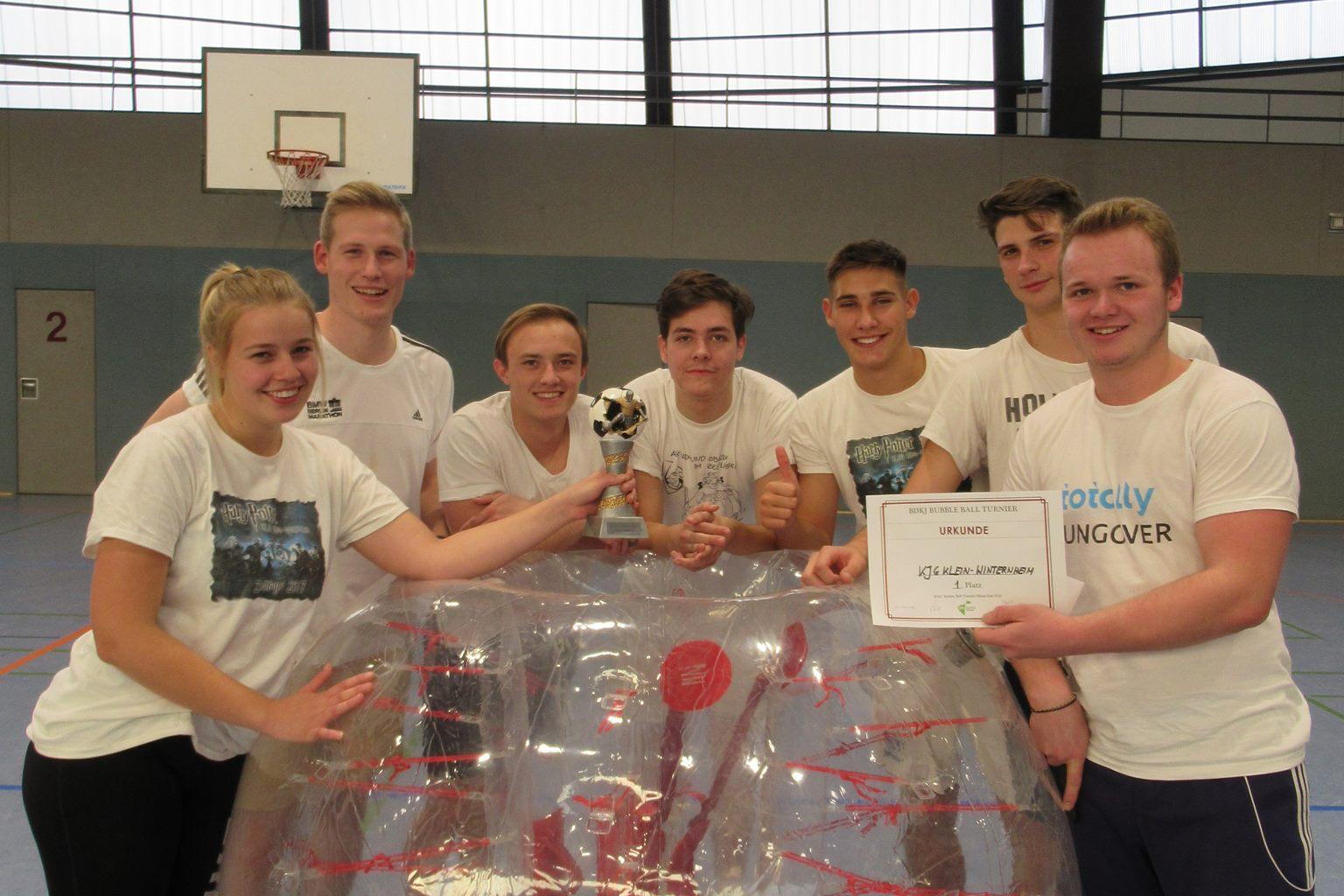 Gewinner des BDKJ Bubble Ball Turnier Mainz Süd 2018 (c) kjzmzsued